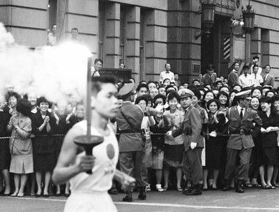 東京五輪聖火「瞬間移動」を検討