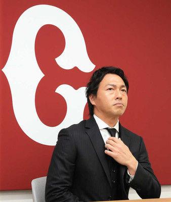 巨人・長野3000万増2・2億円でサイン「強い気持ちでみんなで勝ちにいく」