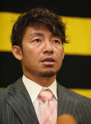 阪神・鳥谷、現状維持4億円でサイン5年契約最終年の来季は「一日一日を大切に」