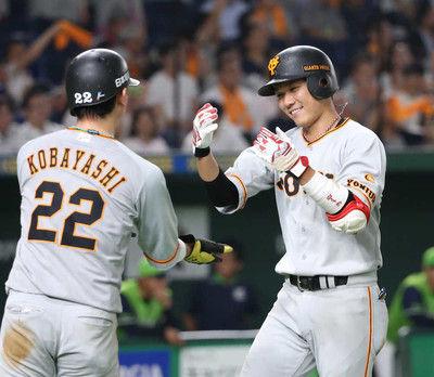 巨人・坂本勇セ遊撃手歴代最多10度目の2桁本塁打達成