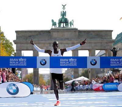 キプチョゲベルリン・マラソンで世界新!初の2時間1分台に突入