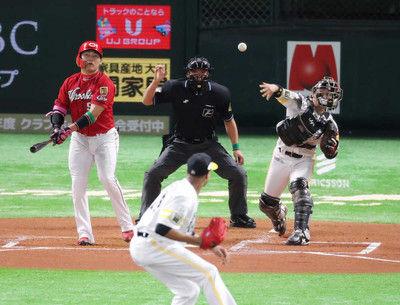 またまた甲斐キャノンさく裂3戦連発、日本S盗塁阻止率100%