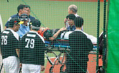 ソフトB柳田、ウオーミングアップ中に打球頭部直撃で救急搬送