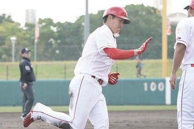 広島堂林、バックスクリーンへ豪快2ラン安部に代わり三塁先発で猛アピール
