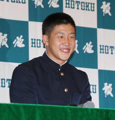 報徳学園・小園は広島が交渉権獲得「うちにぴったりの選手」根尾に並ぶ最多タイ4球団が重複指名