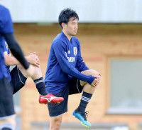 香川、トップ下序列は本田&柴崎に次ぐ3番手…紅白戦一度も主力組入らず