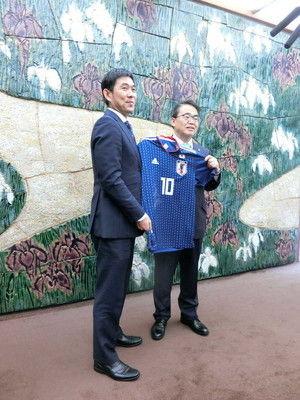 長友、肺気胸の影響で来年1月アジア杯アウト森保監督も心配