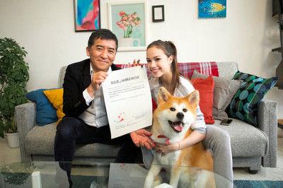 ザギトワの愛犬マサル、広告出演を契約肉球でサイン