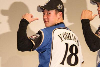ハムドラ1吉田は18、巨人ドラ1高橋は12…23日発表、各球団新入団選手の背番号