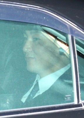 巨人・原監督「吉報待つ」直接出馬で丸と初交渉5年総額30億円超&背番号8提示