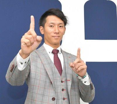 """カープ・西川 レギュラー奪取へ""""どこでも守ります""""宣言「三塁でも一塁でも外野でも」"""