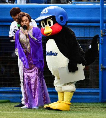 TOKIO城島茂扮する島茂子がヤクルト戦で始球式