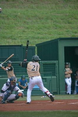 日本ハム・清宮左翼線二塁打で4試合連続安打先発・斎藤佑は4回4失点