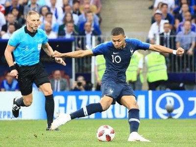 フランスがエムバペ弾などで20年ぶり2度目の優勝