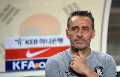 韓国がアジア杯の登録メンバーを発表、監督は「優勝候補の筆頭でない」と謙遜