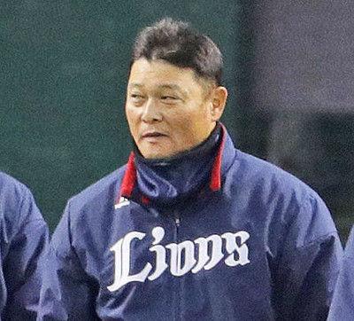 西武橋上秀樹コーチが退団、野手総合と作戦歴任