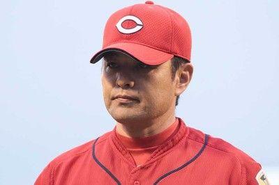 地元胴上げお預けの広島緒方監督は雨天も声援送るファンに謝罪「申し訳ない」
