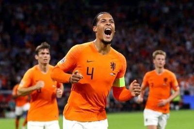 オランダがドイツ相手にホームで3発快勝!ファン・ダイクが先制弾