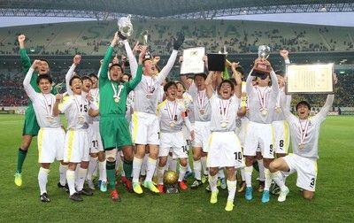 高校サッカー選手権組み合わせ決定初出場の瀬戸内・佐々木主将が選手宣誓