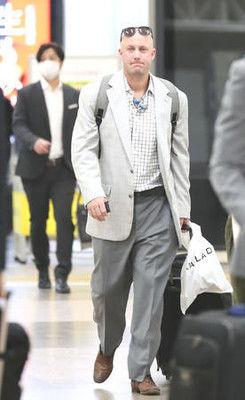 巨人マギーが帰国「昨日の試合が…」現役引退示唆か