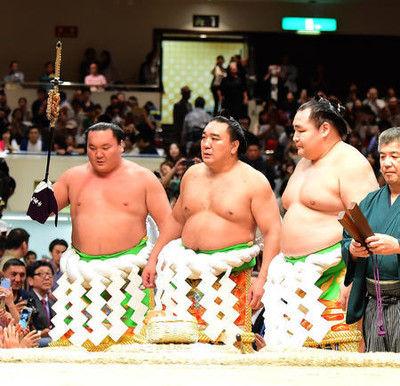 元日馬富士関「勇気与える相撲を全身全霊で考えた」