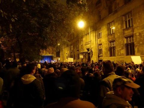 ハンガリーで大規模デモ発生-5