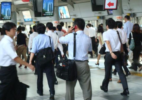 なぜ日本の若者は起業をしないのか。生涯会社員を夢見る保守的な性格はアジアでも稀有