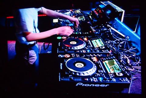 DJ機器事業も売却