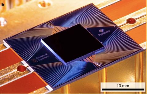 Google、量子コンピューターで「量子超越性」を実証。スパコンを超えたと発表