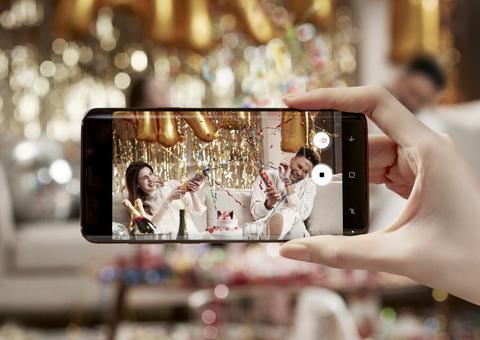 サムスン、「Galaxy S9/S9+」を正式発表。F1.5とF2.4の自動切り替えカメラや、AKGチューニングのスピーカーを搭載