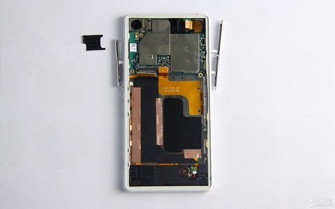 Xperia-Z2-disassembly-guide_13
