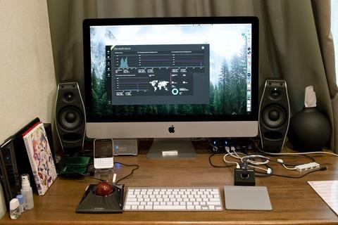 27インチのiMacに合う机