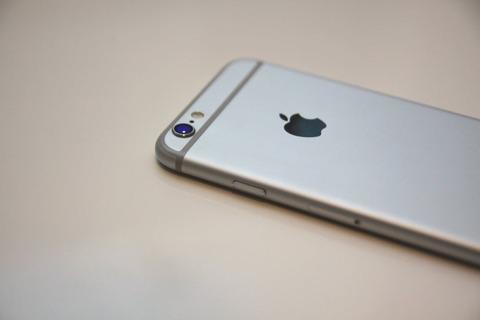【悲報】ワイiPhone 6s民、限界が近いことを知り涙する