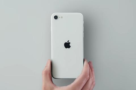 【悲報】ワイ、iPhone SEを買ったことをガチで後悔する…