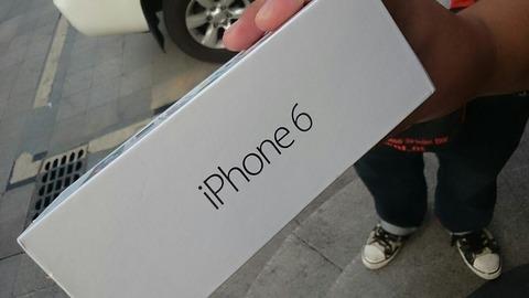 中国で本物よりも早くニセiPhone6