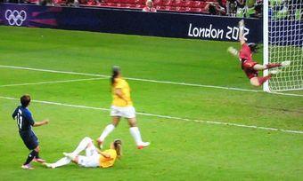 ロンドンオリンピック 女子サッカー ブラジル戦 大野シュート
