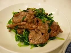 豆苗と牛肉の炒め物
