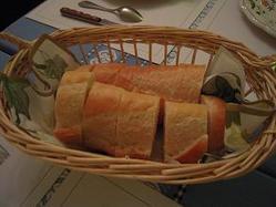 食べ過ぎないよう横沢パン
