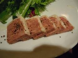 肉のパティ ヌッフ
