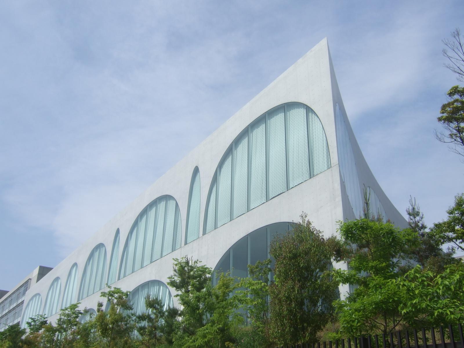 図書館 大学 多摩 美術