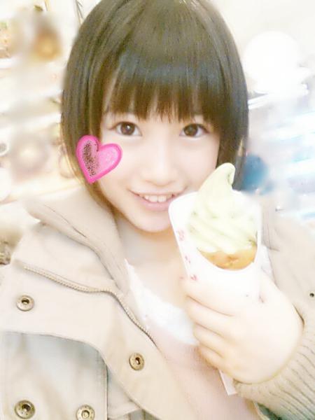朝長美桜ソフトクリーム