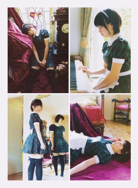 朝長美桜、ピアノを弾いたり四枚