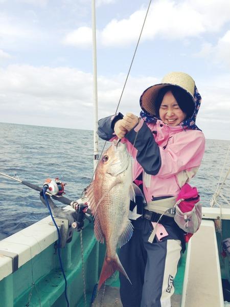 加藤るみ、船釣り、大きな鯛、静岡
