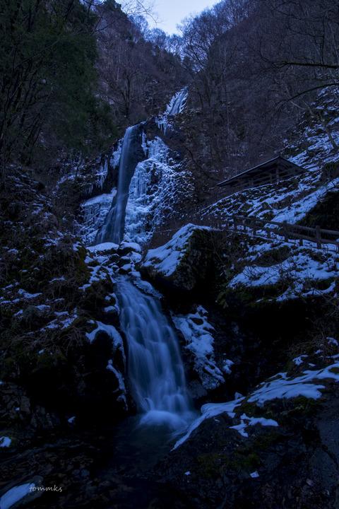 白猪ノ滝冬-2