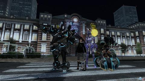 夜の東京駅前でパシャリ