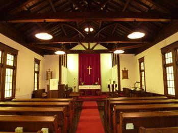 京都聖三一教会礼拝堂