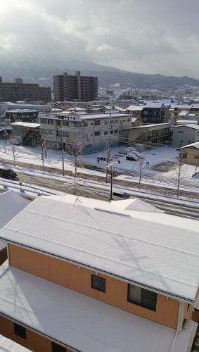 山形市ホテルの窓