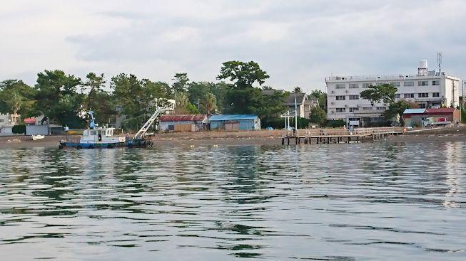 11月台風後の桟橋修理