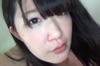 【無修正 素人】 ごくごく普通の女の子!! パイパン女子のハメ撮り映像 ・・・けっこう美乳やん