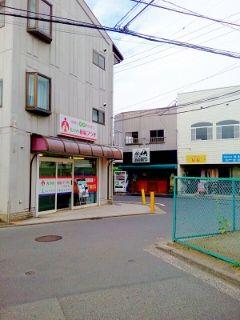 7曲がり角① (240x320)